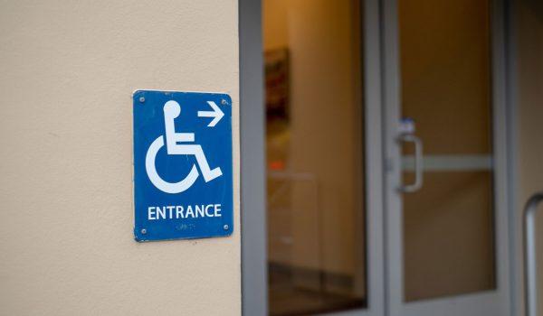 door-ada-handicap